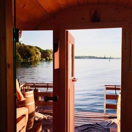 saunafloss-entspannung-auf-dem-wasser